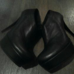 Ankle boots, genuine leather.