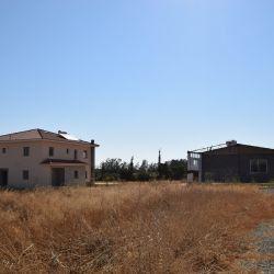 Casa și Ferma Depozit în Psimolofou, Nicosia