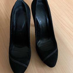 Παπούτσια από φυσικό σουέτ από τον Du Monde