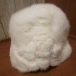 норковая белая шапка