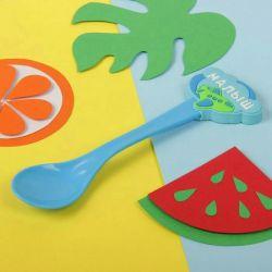 Lingură din plastic pentru copii. nou
