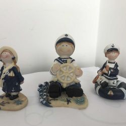 Interior figurines in a marine style