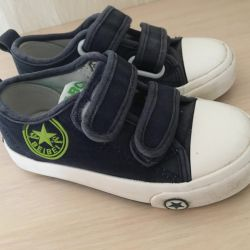 Sneakers 25 size