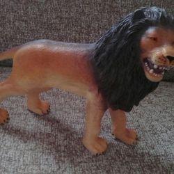 Lion de cauciuc