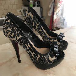 Pantofi, dimensiune 37
