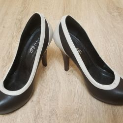 Women's shoes 38r Italian