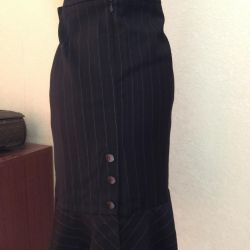 Wool skirt in black with lurex