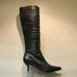 104. Autumn boots, leather p.36.37, new