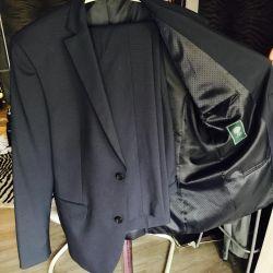 Van Cliff Suit