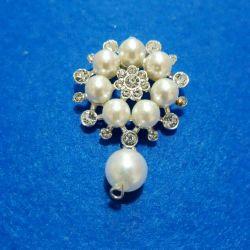 Broșe cu pietre și perle