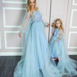 Dress elegant for the girl and mother