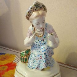 Kız heykelcik