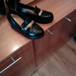 Varnish women shoes