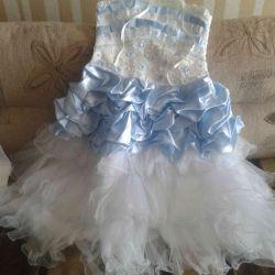 Dress and deadema