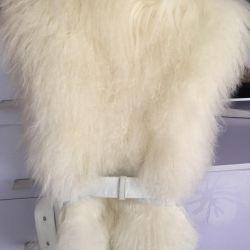 Γιλέκα με γούνα με δερμάτινα ένθετα στις πλευρές και ζώνη