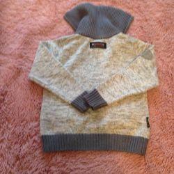 Теплый свитер для мальчика