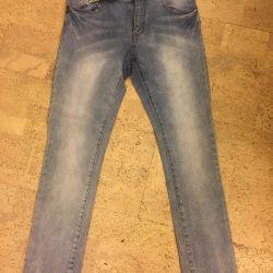 Bir çocuğun 152 büyüme için kot pantolon