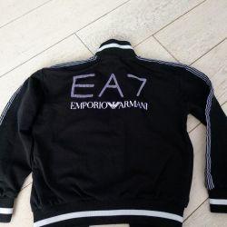 EA7 Suit