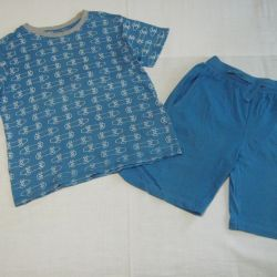 T-shirt with a sleeve and shorts 110-116