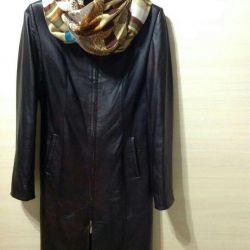 Δερμάτινο παλτό μεγέθους 46