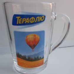 Transparent glass mug