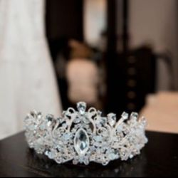 Crown for the wedding / tiara ?