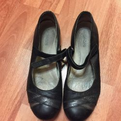 Women's shoes, leather