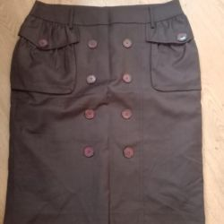 Skirt in excellent condition size 48