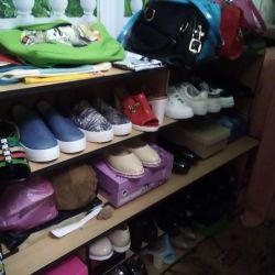 Παπούτσια διαφορετικών μεγεθών 39-40
