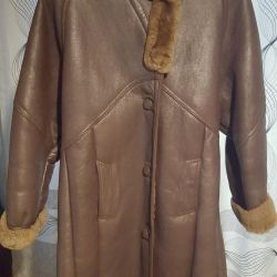 Πολύ ζεστό παλτό από δέρμα προβάτου με κουκούλα