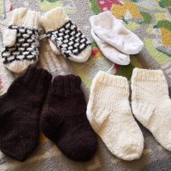 Warm socks and mittens 4 pairs