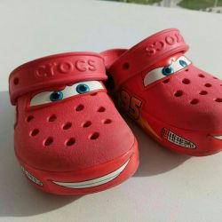 Crocs-2 cars flash