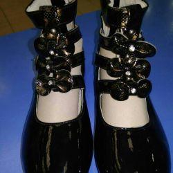 Shoes new black