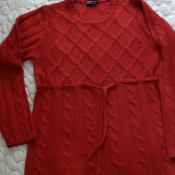 Sweater r. 48-50. Not short.