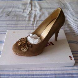 Shoes, 38p nat. Zamsha, not used