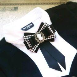 Brooch tie