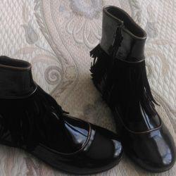 Demi-season boots, new, size 35