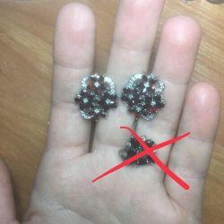 Ασημένια σκουλαρίκια με φυσική πέτρα.