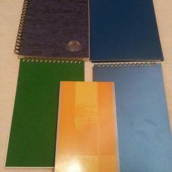 Note și notebook-uri noi pe primăvară