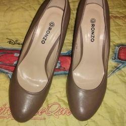 Туфлі на каблуках р.37 (23,5 см)