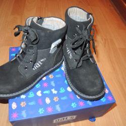 Ботинки новые на холодную весну/осень высокие