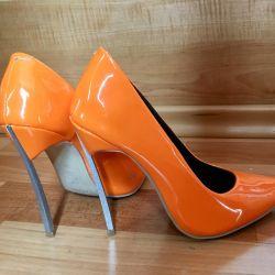 Παπούτσια δέρματος casadei