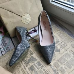Heeled shoes 34 New