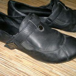 Ayakkabı boyutu 35