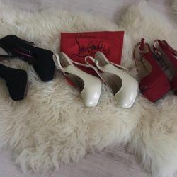 Stylish footwear »