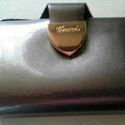 Gucci key keeper.