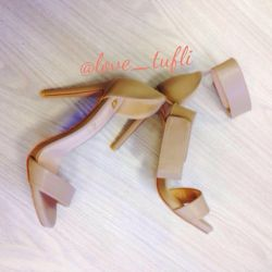 Бnew beige sandals nude