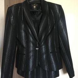 Suit 2ka, Italy