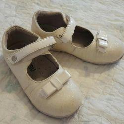 Детские туфли 25
