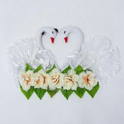 Swans to decorate the wedding hall